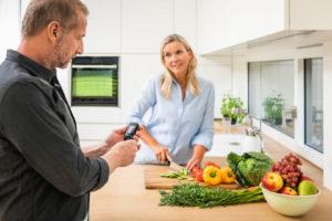 Neben der Ernährung sollten Diabetiker auch auf ihre Mundgesundheit achten