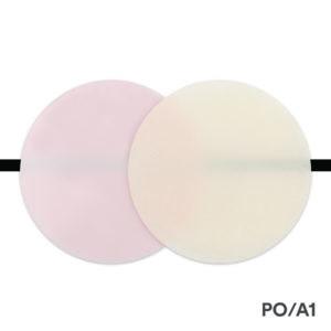 Der 3M Filtek Universal Restorative Pink Opaquer (links) sorgt dafür, dass Verfärbungen der Zahnhartsubstanz sowie Metall zuverlässig kaschiert werden.