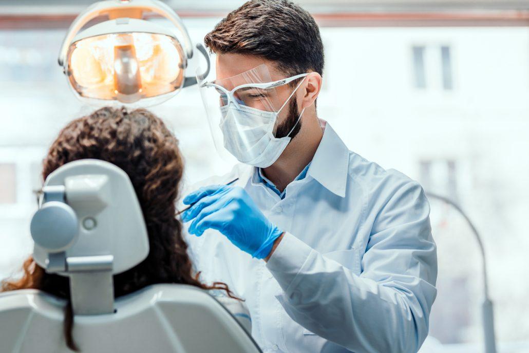 Wirksamer Selbstschutz ist in der Zahnarztpraxis essenziell