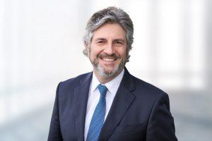 Dr. Alexander Völcker, Group Vice President CAD/CAM bei Dentsply Sirona, sieht vielversprechende weitere Anwendungsmöglichkeiten von Intraoralscannern in der zahnärztlichen und kieferorthopädischen Praxis.