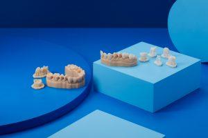 Formlabs treibt Digitalisierung der restaurativen Zahnmedizin voran und präsentiert neues Material