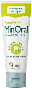 Packshot MinOral<sup>®</sup> Die apothekenexklusive Zahncreme MinOral enthält wichtige Mineralstoffe und karieshemmendes Xylit. Sie kommt ohne bedenkliche Inhalts- und Zusatzstoffe aus, ist vegan sowie laktose- und glutenfrei.