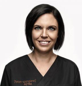 Dr. Petra Volz: Das CEREC-System mit seinen klaren und einfach handzuhabenden Abläufen passt perfekt in meine Praxis – und meine Patienten schätzen mein neues CAD/CAM-Angebot sehr.