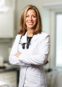 Dr. Karyn Halpern kann sich ihre Praxis ohne CEREC Primemill kaum mehr vorstellen. Die Schleif- und Fräseinheit hat ihren Workflow noch einmal deutlich verbessert.