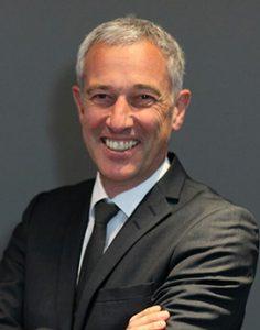 Prof. Dr. Rainer Seemann, Vice President Clinical Affairs Dentsply Sirona, ist davon überzeugt, mit dem neuen Material Tessera den CEREC-Anwendern einen echten Mehrwert zu bieten – sowohl für die Praxis als auch für die Patienten.