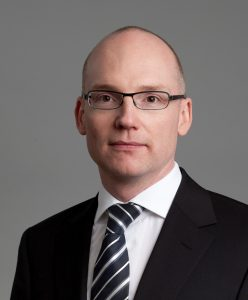 Professor Dr. Torsten W. Remmerbach, Universitätsklinikum Leipzig, Klinik und Poliklinik für Mund-, Kiefer und Plastische Gesichtschirurgie führt durch das Webinar.
